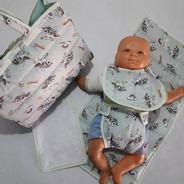 Bolso Cambiador De Muñecas Bebes Babero Toalla Pañal