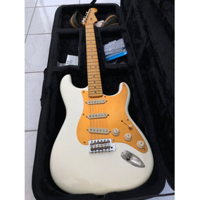Guitarra Stratocaster Squier Classic Vibe - R$ 2.500,00