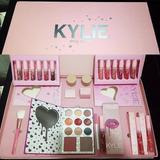 Set Kylie Cosmetics I Want It All San Valentin