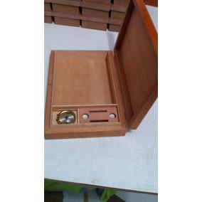 Caixa Umidor Para 26 Charutos Coronas 31 X 20 X 4 Cm