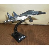 Hermoso Avion De Guerra Con Luz Y Sonido De Metal Y Plastico