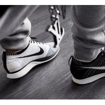 Zapatillas Nike Racer Run Ying Yang