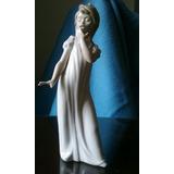 Lladró Impecable Figura De Porcelana, De 30 Cm De Altura.