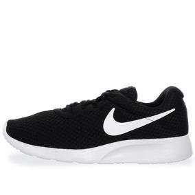 Tenis Nike Tanjun - 812655011 - Negro - Mujer