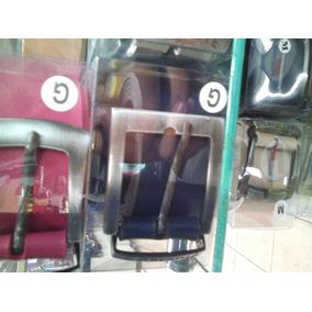 Kitscuia Chimarrao De Couro Oakley - Acessórios da Moda no Mercado ... 869c2d89385