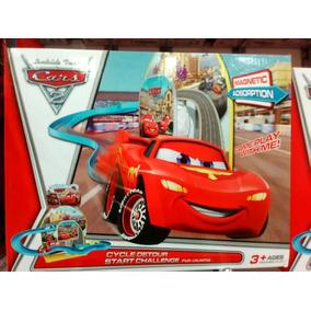 Pista De Cars 2 Rayo Mcqueen Y Sus Amigos Incluye 3 Carros