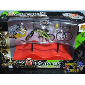 Pista Para Bicicleta De Dedo E Mini Skate + Acessórios
