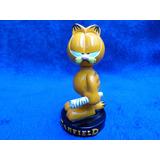 Garfield- Mini Estátua De Resina (com Jornal Na Mão)