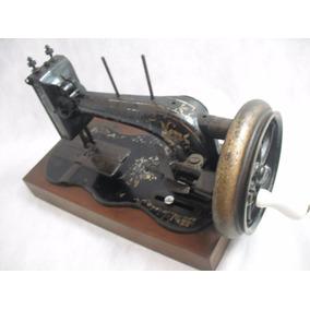 Maquina De Costura Manivela Antiga Rica Em Detalhes