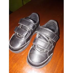 Zapatillas adidas Originales. Talle 25. Color Negras.