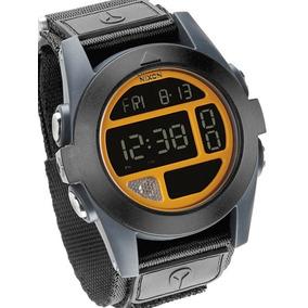 b976b67614e Bracadeira Relogio Casio Unissex Nixon - Relógios De Pulso no ...