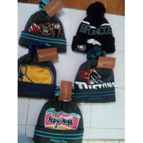 0c585431597e2 Lote De Gorras Mitchell And Ness en Mercado Libre México