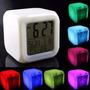 Relógio Despertador Digital Cubo Led Muda 7 Cores Termometr