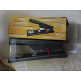 Engrapadora Bostitch B310 Uso Rudo 30 A 150 Hojas
