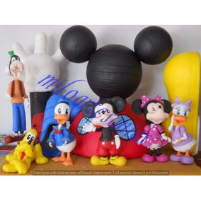 La Casa De Mickey Mouse Con Personajes En Porcelana Fría