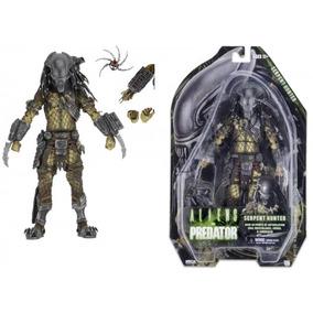 Boneco Neca Colecionável Batman Predador Coringa Alien