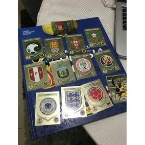 Figurinhas Sortidas Brilhantes Copa 2018 Douradas Escudos
