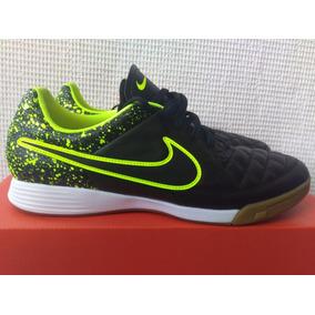Nike Chuteira Infantil Futsal Tam 30 Couro Semi Novo Tenis ... acda2cbcc8363