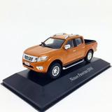 Miniatura Picape Nissan Frontier 2016 Laranja 1:43 Ixo