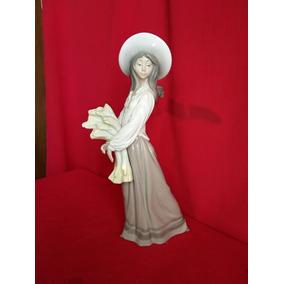 Figura De Campesina Porcelana Lladro / Nao 40 Cm. Altura