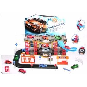 Pista Garage + 2 Autos Hot Wheels De Regalo - Fair Play Toys