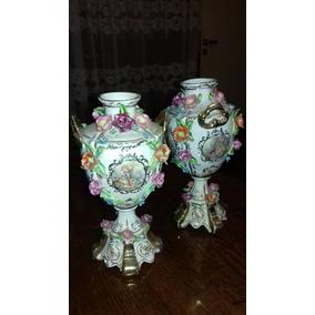 Juego De Floreros Ceramica . Capodimonte C/ Flores En Relive