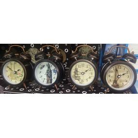 Relógio Despertador Modelo Antigo Com Dois Sinos Mecânico