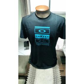 Camiseta Oakley Mod Submarine Tee - Calçados 695aaf1a08f