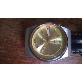 Relógio Citizen Unissex Pulseira De Couro Fundo Dourado