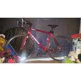 Bicleta Trek 1.1 H2 Roja. Poco Uso
