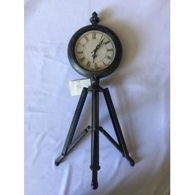 Reloj Tripie De Manesillas De Mesa/escritorio