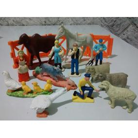 Cenário De Fazenda C/ Miniaturas De Plástico Diversas