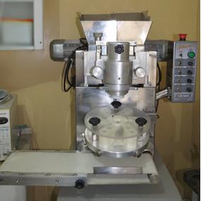Maquina Modeladora De Salgados E Doces Silver 2.0 Semi-nova