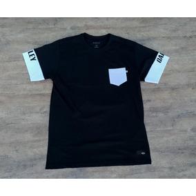 Camisetas Oakley Duds Tamanho M Ou G... - Camisetas Manga Curta para ... 4d955f9e71