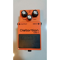 Pedal Boss Distortion Ds1. Semi-novo!
