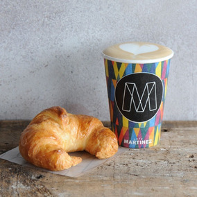 Café Martínez Espresso + 1 Medialuna Take Away