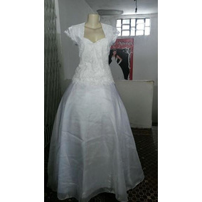 Vestido De Noiva Em Gazar E Renda