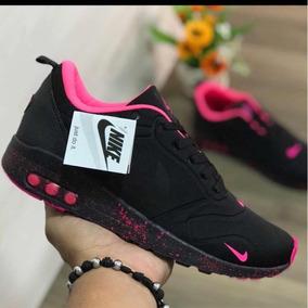 Zapatos Deportivos Nike Tavas