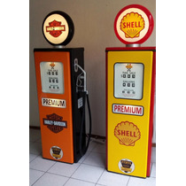 Modelo Bomba De Gasolina Antigua Con Puerta Y Entrepaños