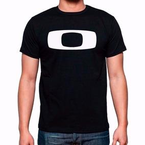 Simbolo Oakley Holbrook Camisetas Manga Curta - Camisetas e Blusas ... 1cc1b6838b