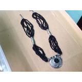 Collar Enhebrado Negro Y Adorno Piedra Importado Artesanía