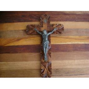 Antigua Cruz Labrada En Madera Y Cristo En Metal