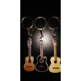 Chaveiro Miniatura Instrumentos Musicais Violao Guitar Tecla