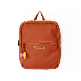 Botón Backpack Canela