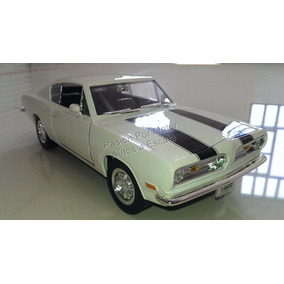 1:18 Plymouth Barracuda 1969 Blanco Yat Ming Road Signature