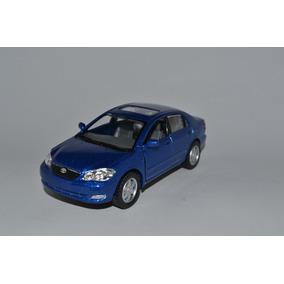 Miniatura Toyota Corolla 2007 1:36 Kinsmart Azul