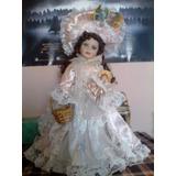 Muñeca De Porcelana Antigua Musical