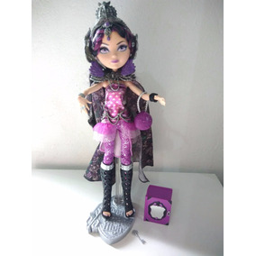 Ever After High Raven Queen Legacy Day Tamy Toys