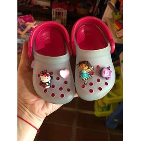 Zapatos Crocs De Niña Con Pin Hello Kitty Y Dora Talla 4 / 5