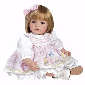 Boneca Realista Adora Doll 4 Estações +4 Roupas